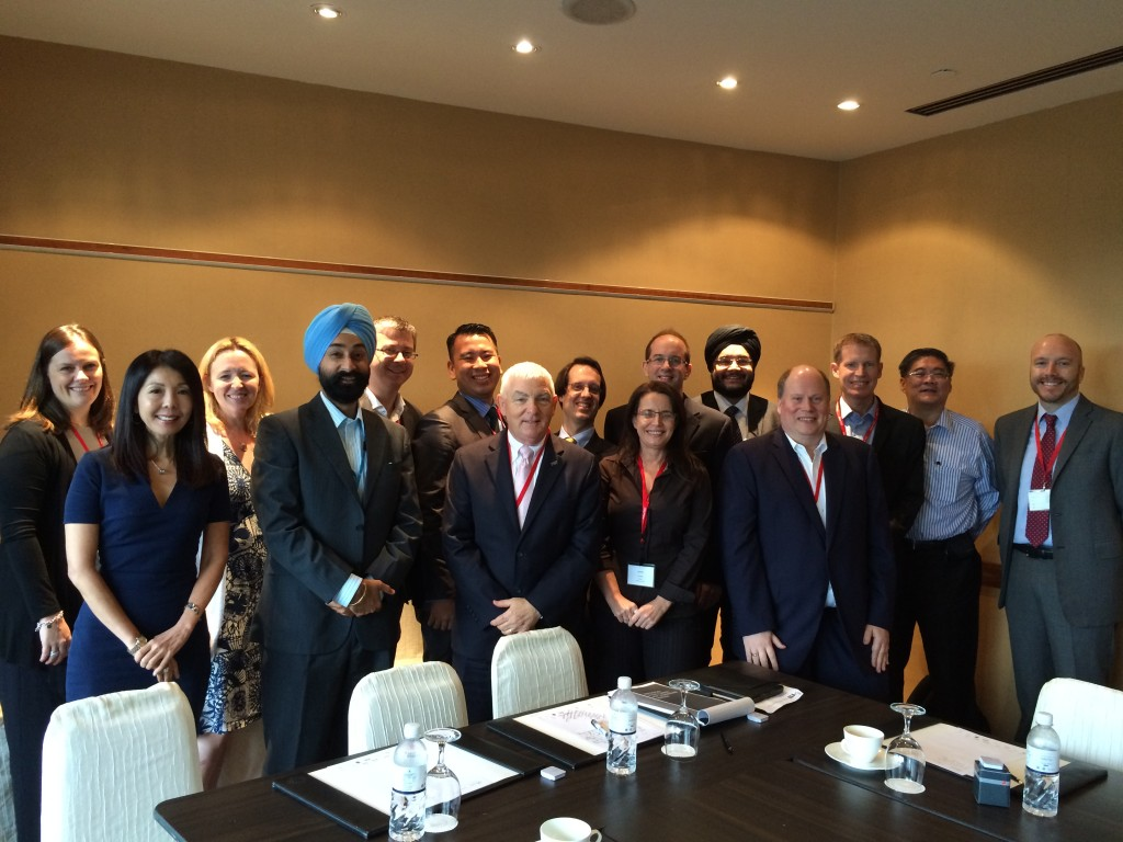 Jackie Douglas with delegates at Chief Revenue Officers Roundtable in Singapore