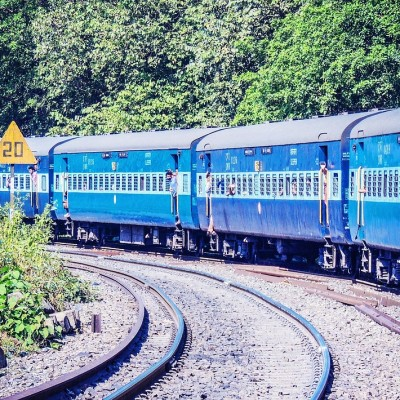 Taking a train back home this Diwali? Here are five startups that will help you get better food