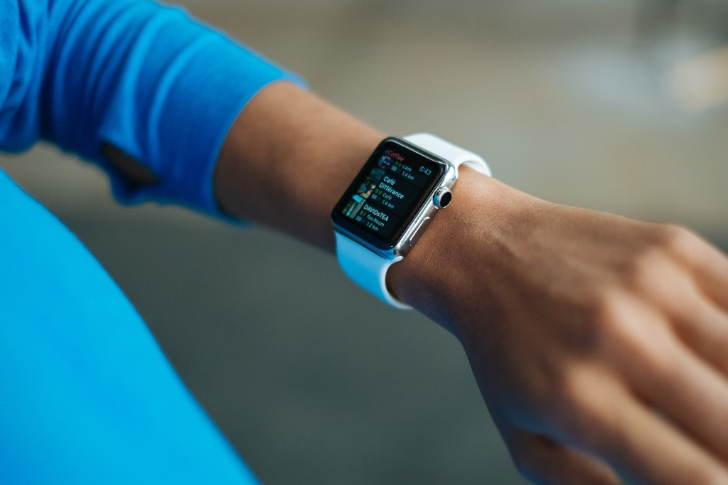 smart-watch-821567_1280