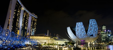 Marina Bay Sands might be turning a pricing error into a social media disaster