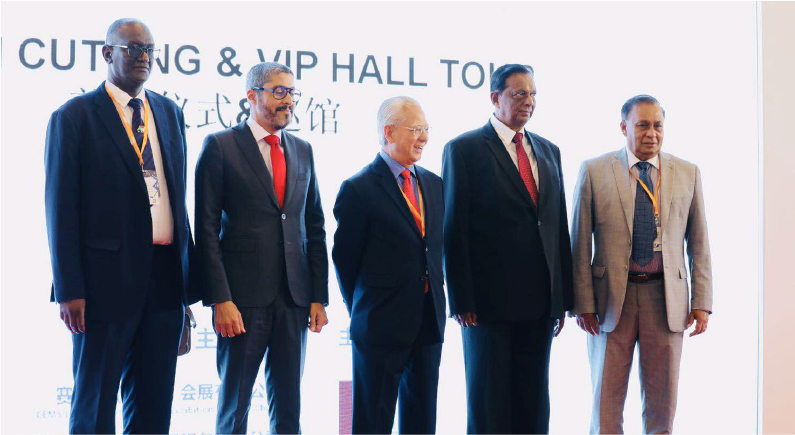 (From left to right, Mr Mohammed Abass, General Director of Planning and Projects, Head of Chinese Tourist Desk, Ministry of Sudan Tourism Antiquities and Wildlife; Mr Adel El Fakir, Chief Executive Officer, Moroccan National Tourist Office; Mr Edward Liu, Group Managing Director, CEMS; Mr John Amararathunga, Minister of Tourism Development, Sri Lanka; Dr Karunasena Kodituwakku, Ambassador of Sri Lanka.)