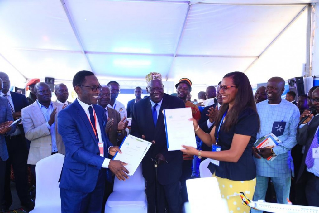 MOU signed between Uganda Airlines and Uganda Tourism Board.